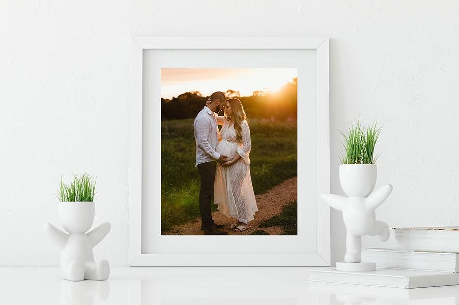 white-frame-deskwebsize