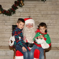 Pictures with Santa 2018