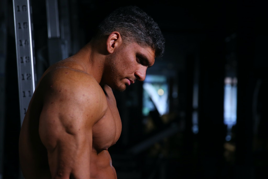 A36O8660_20200531104030557 - SYDNEY, AUSTRALIA - MAY 31: Chris Kavvalos rests between sets during a workout at City Gym on May 31, 2020 in Sydney, Australia....