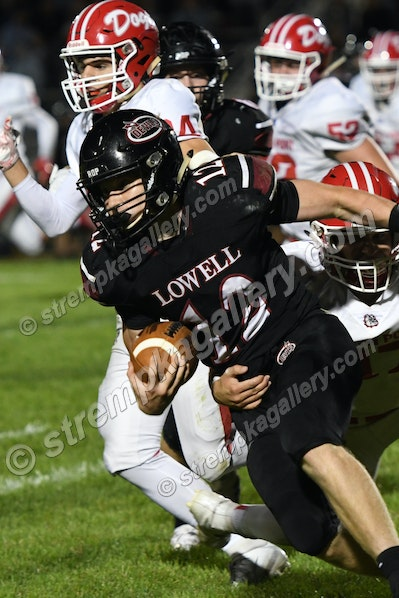 64_FB_2019_CP_Lowell_DSC_5833 - Andrean vs. Crown Point - 8/19/19