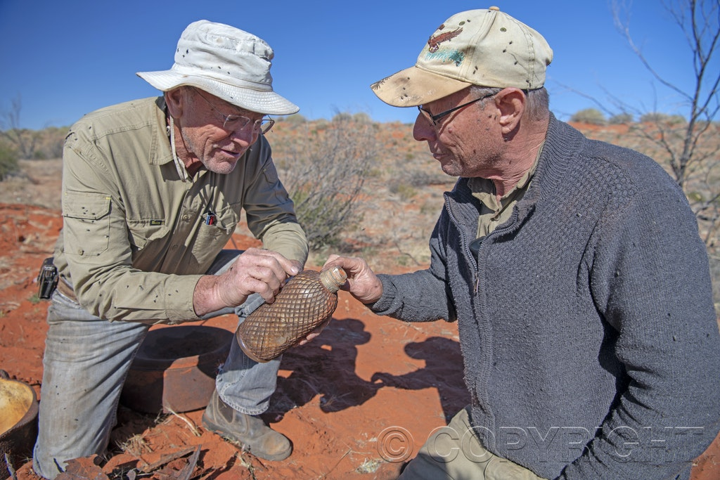 _EFP0178 - Larry Perkins finds Henry Vere Barclay's treasure in the Simpson Desert. These images are from the third trip to recover the cache. Images must...