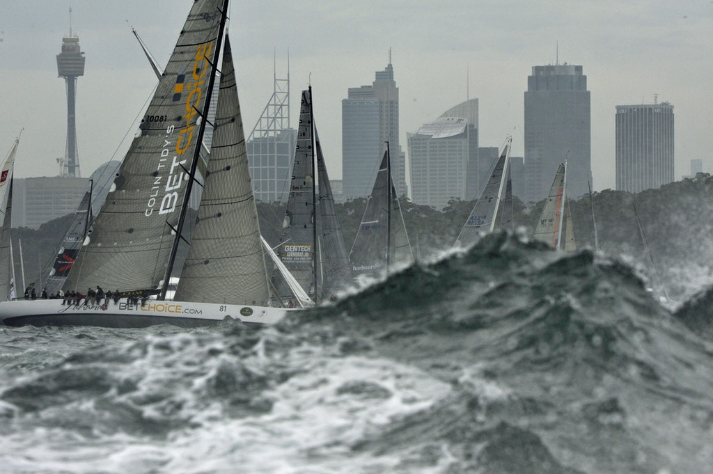 _DSC4019 - 26.12.2011. Sydney, Australia. Rolex Sydney to Hobart Yacht Race 2011. Lahana and the fleet battle out what is known as the washing machine...