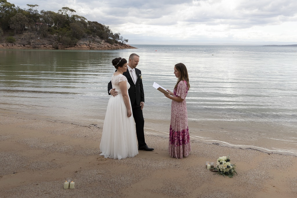 freycinet wedding elopement east coast tasmania-318 - photo by Enright Photography (www.enrightphotography.com.au)