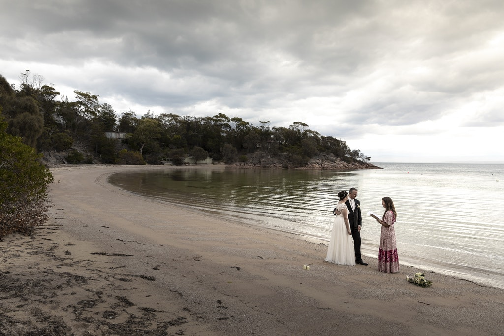 freycinet wedding elopement east coast tasmania-319 - photo by Enright Photography (www.enrightphotography.com.au)