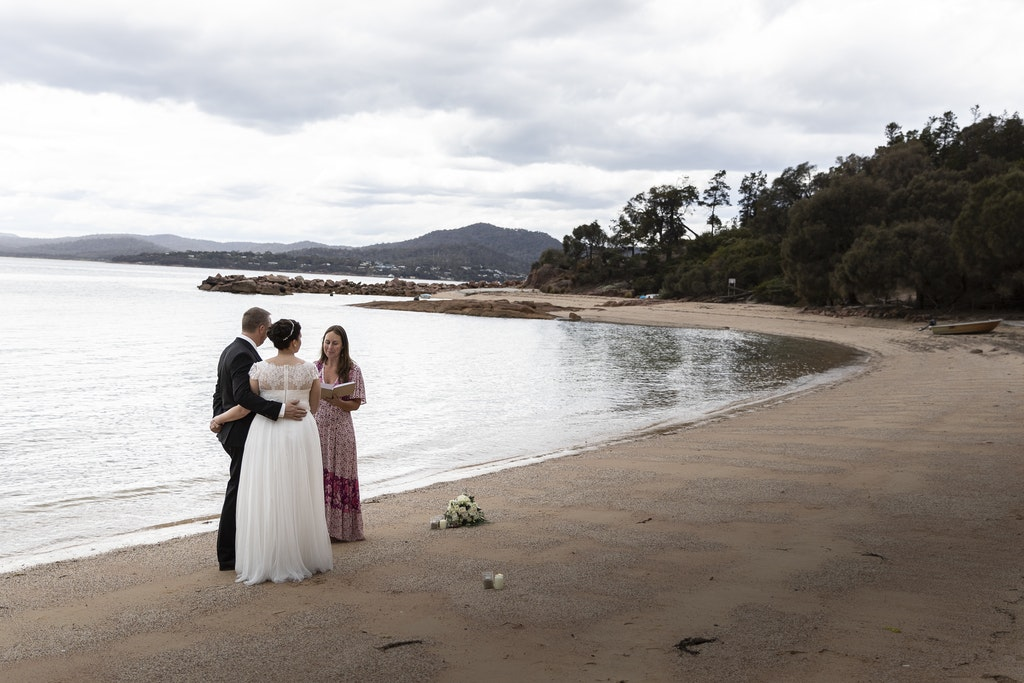 freycinet wedding elopement east coast tasmania-324 - photo by Enright Photography (www.enrightphotography.com.au)