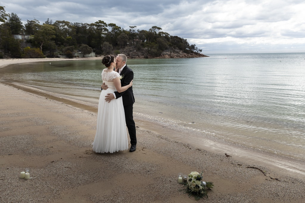 freycinet wedding elopement east coast tasmania-334 - photo by Enright Photography (www.enrightphotography.com.au)