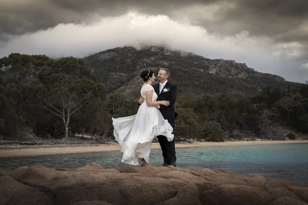 freycinet wedding elopement east coast tasmania-341 - photo by Enright Photography (www.enrightphotography.com.au)