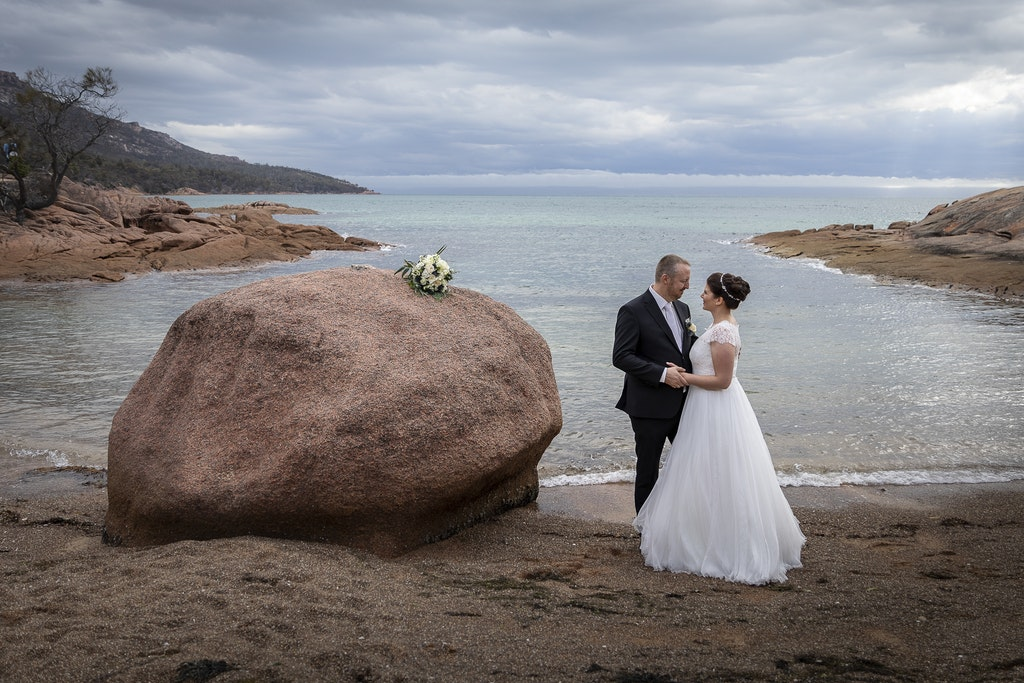 freycinet wedding elopement east coast tasmania-345 - photo by Enright Photography (www.enrightphotography.com.au)