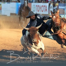 Steer Wrestling - Saturday - Round 2 - Sect 2