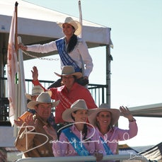 Mt Isa Rodeo 2019 - Sunday - Breakaway Roping Victory Lap