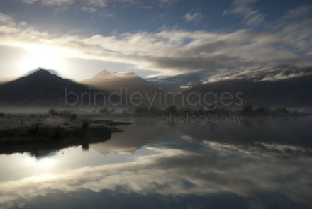 Morning Mist_IGP0472 - Lake Wakatipu, New Zealand