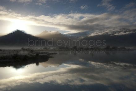 Morning Mist_IGP0472 - Lake Wakatipu, New Zealand