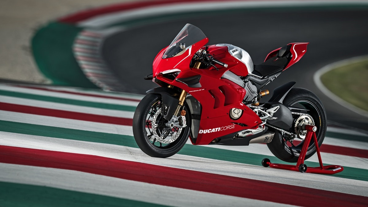 2018-11  All new V4 Panigale revealed in Milan
