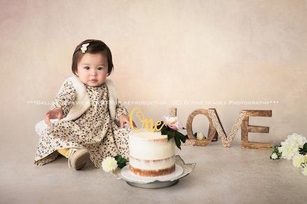 Erika. 1 yr. Cake smash-1