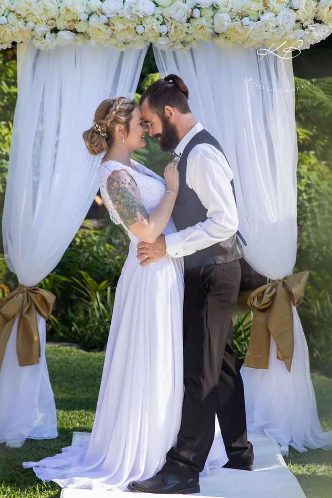 Garden Wedding Mt Tamborine - Beautiful Garden Wedding at Mt Tamborine Botanic Gardens, captured by Logan City photographer Kerry Bergman.