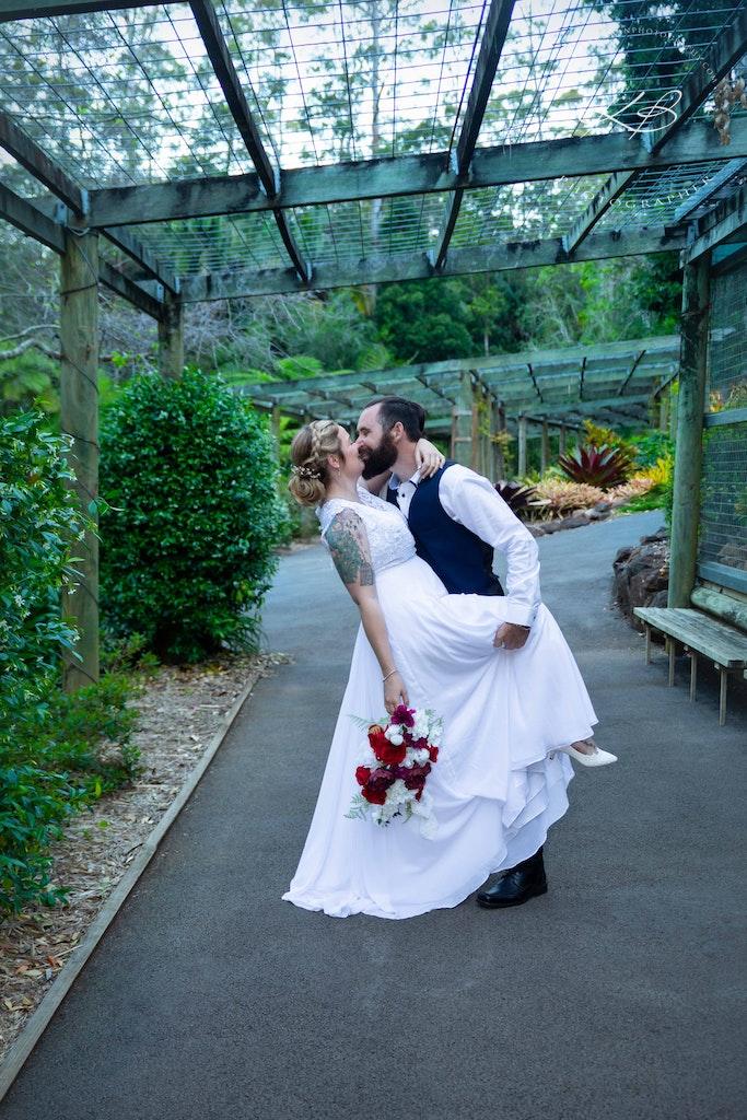 Bridal Portraits at Mt Tamborine Botanic Gardens - Beautiful Garden Wedding at Mt Tamborine Botanic Gardens, captured by Logan City photographer Kerry...