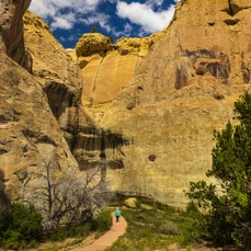 El Moro National Monument - Always a meeting place, sandstone cuestas concentrate pools of fresh water here and provided ancient Puebloans, Spanish conquistadors,...