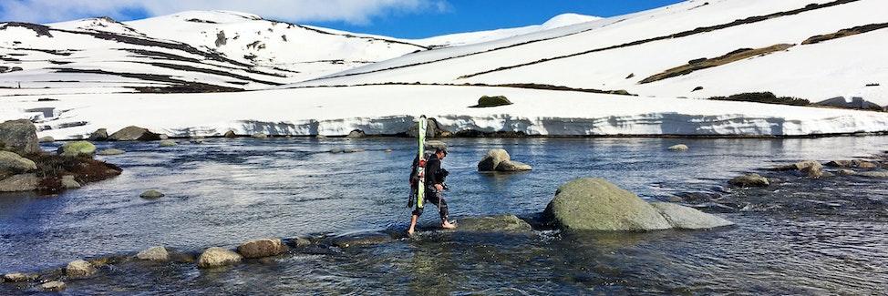 Geebers Crossing Snowy Pano 3 x 1 iphone