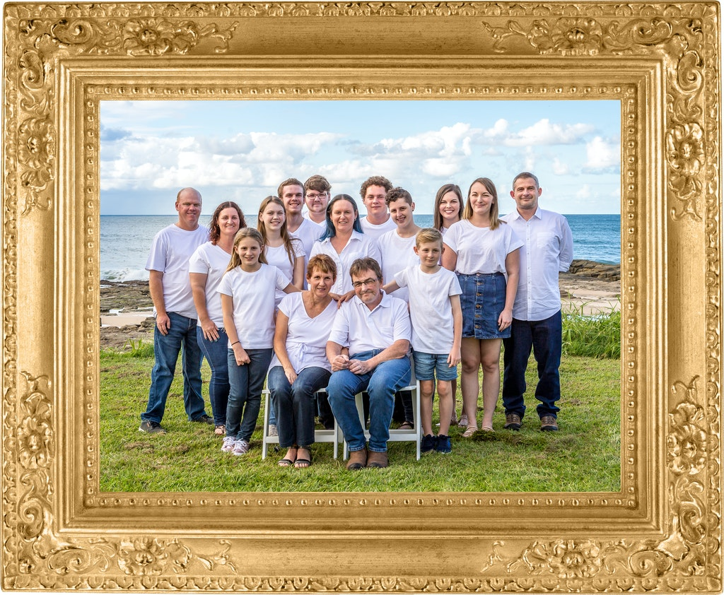 Gold Frame Family