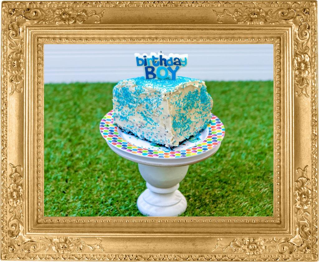 Gold Frame Cake