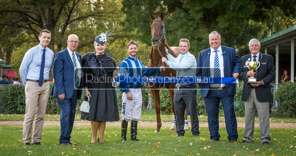 25 Apr 2019 R6-46 - 25th April 2019 - Bathurst Thoroughbred Racing - Race 6, 2019 Bathurst RSL Club Soldier's Saddle, 1400m - 1st, Turcotte, Jake Pracey-Holmes...