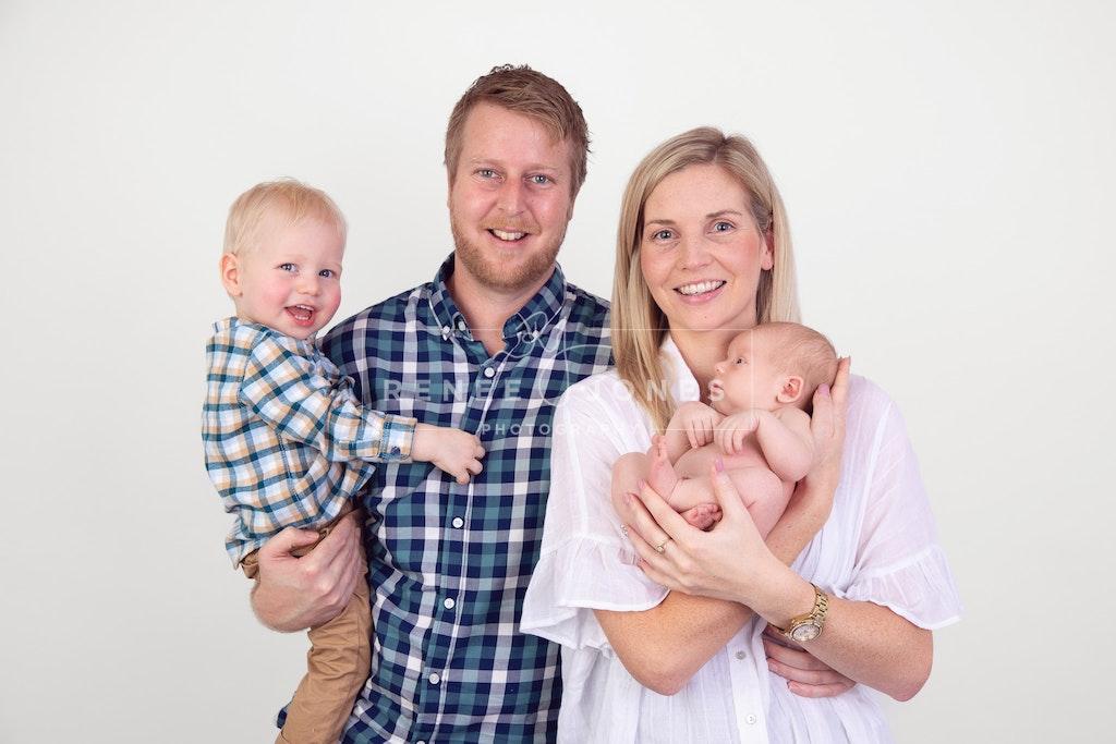 Family Photo - Brisbane Newborn Photographer - Family photo with their newborn baby