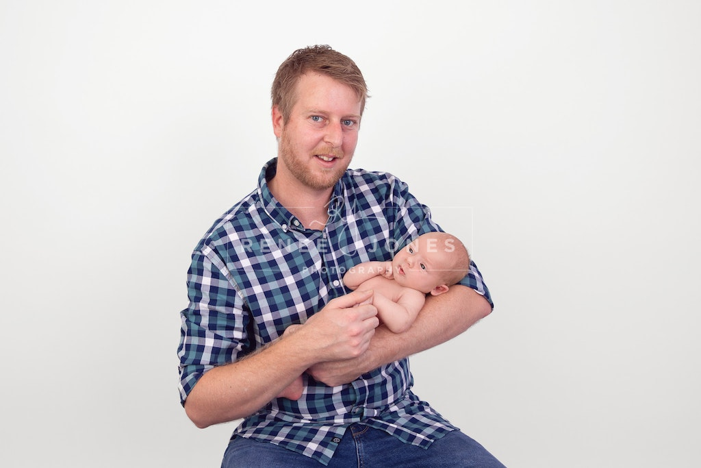 New dad - Brisbane Baby Photographer - New dad with his new baby