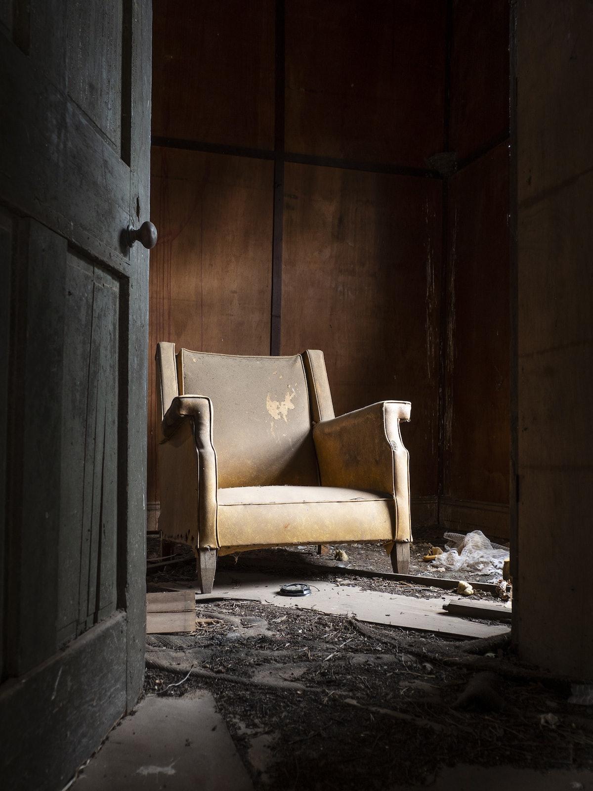 couch-70377 - OLYMPUS DIGITAL CAMERA