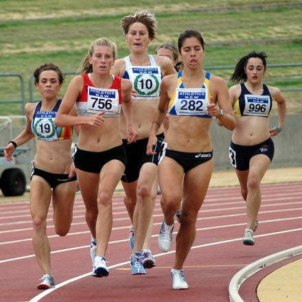 Allcomers 1500m - Selma Kajan, Nikki Molan and Jenny Blundell run at the front of the pack in a 1500m race at an NSW Allcomers Meet in January, 2009.