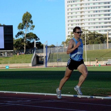 Gregory Graves - Gregory Graves in action in one of the graded races at the 2009 NSW 3000m Championships at Sydney Olympic Park Athletic Centre.