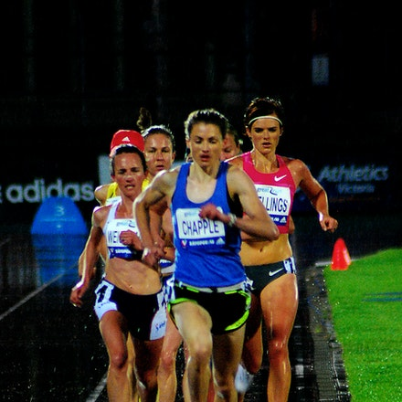 10000m field - Nikki Chapple leads Eloise Wellings and Lisa Weightman during the 10000m at the 2009 Zatopek:10 meet. Wellings would take victory in 32:19.08...