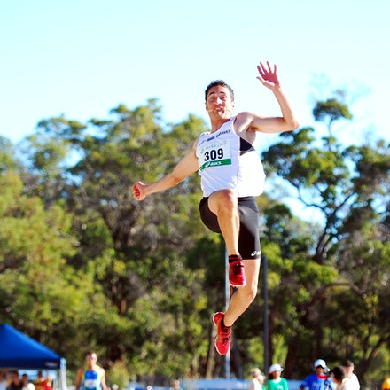 Serious air time - World indoor long jump champion Fabrice Lapierre jumped a massive 8.78m (+3.1) to successfully defend his national long jump crown.