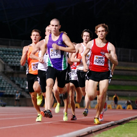Matt Hammond - Matt Hammond leads the way during the early stages of the 800m at the 2011 NSW Championships before taking victory with a run of 1:50.