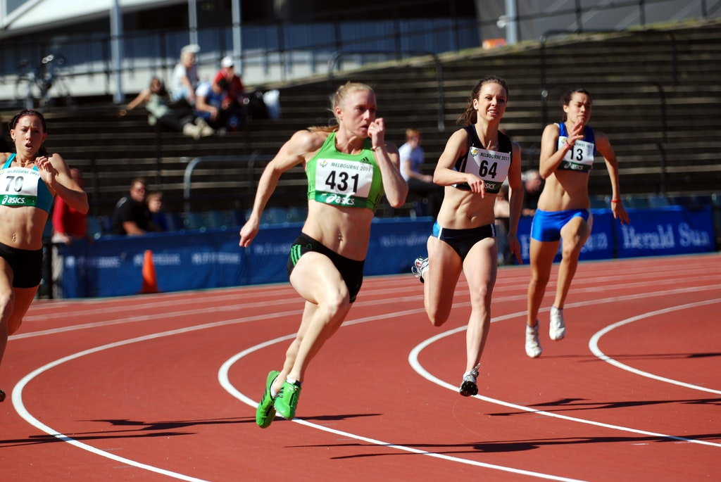 Sally Pearson - Sally Pearson powers around the bend in the 200m at the 2011 Australian Championships in Melbourne.
