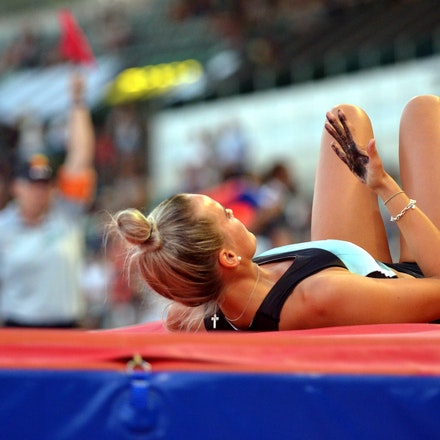 Liz Parnov - Liz Parnov looks to the black grip on her hand following a failed attempt in the pole vault at the 2016 Australian Championships.