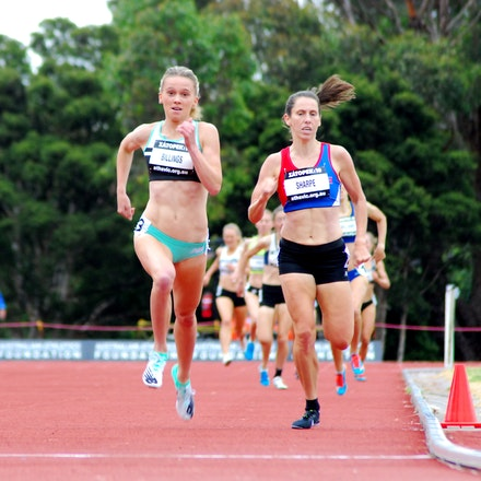 1500m - Sarah Billings wins the 1500m at the 2019 Zatopek:10 meet at Box Hill Athletics Track.