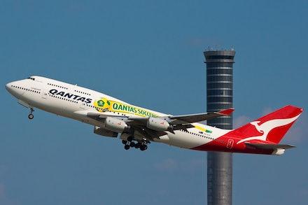 QANTAS Boeing 747-400 VH-OJS 'Socceroos' - Bangkok