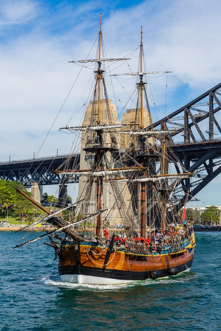 HM Bark Endeavouron Sydney Harbour - The stunning replica of the famous HMS Endeavour on Sydney Harbour for the Royal Australian Navy Fleet Review in...