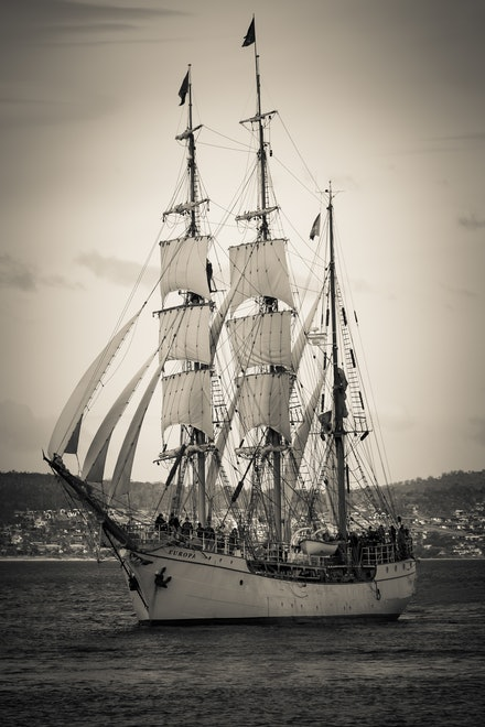 'Europa' arrives in Hobart - The Dutch registered barque 'Europa' was a spectacular visitor to Hobart for the 2013 Tall Ships Festival.