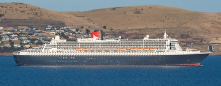 'Queen Mary II' in Hobart - After her maiden visit to Hobart, the Cunard flagship Queen Mary II makes for a wonderful sight as she departs Hobart in the...