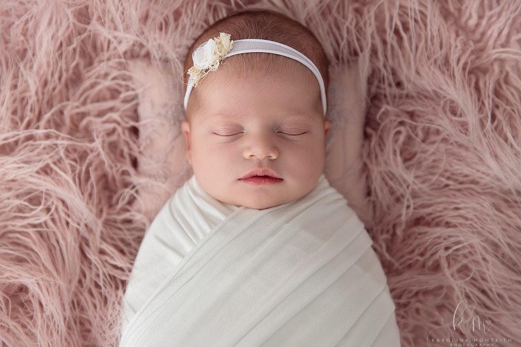 Newborn Photographer - Karolina Monteith Photography 14