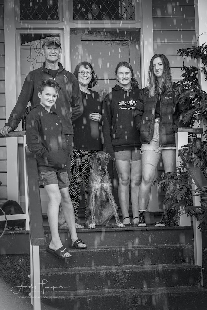 Paddy, Sara, Grace 17, Ruby 14 and Murphy 12. Dog - Enzo, Cat – Pig - While photographing these guys we had a sun shower. I love the rain and it is cool...