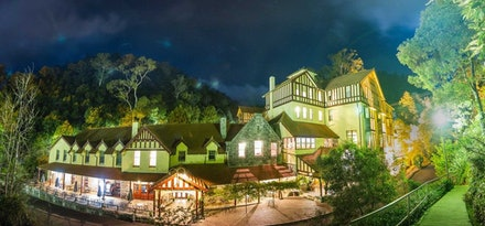 Jenolan Caves House - Jenolan Caves House at night