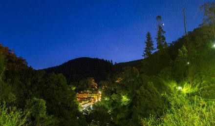 Light-in-the-Forrest, Jenolan Caves, Blue Mountains - Jenolan Caves House Night Shot