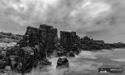 Bombo Quarry - The Wall 2 - An image portraying the mood of the sea and sky.