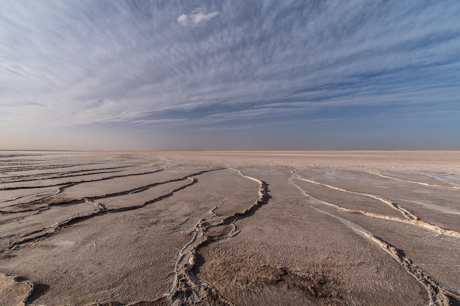 K1113616 - Earth fractures, Lake Tyrrell.