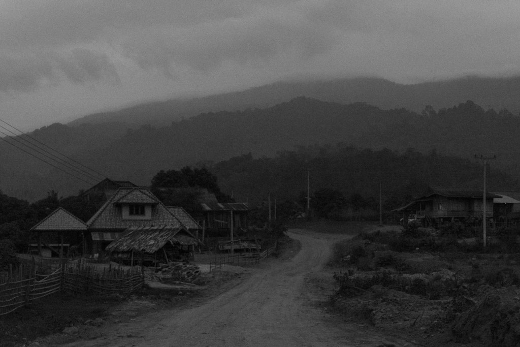 bw-laos-village-night