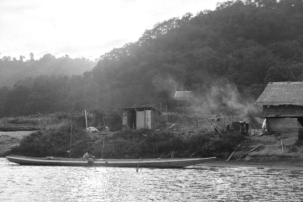 bw-laos-boat